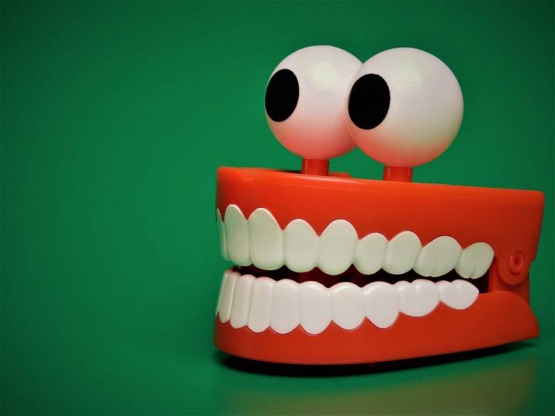 牙套戴完保持器带多久牙齿保持器佩戴时间