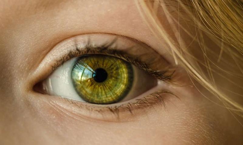 眼干眼涩是缺少什么眼干眼涩是什么原因造成的
