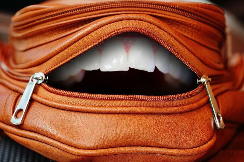 戴上牙套后牙龈破了的原因是什么戴上牙套后牙龈破了怎么办